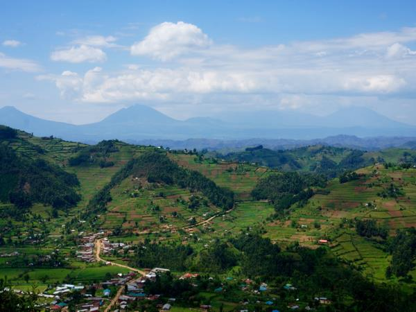 Uganda adventure & volunteering vacation