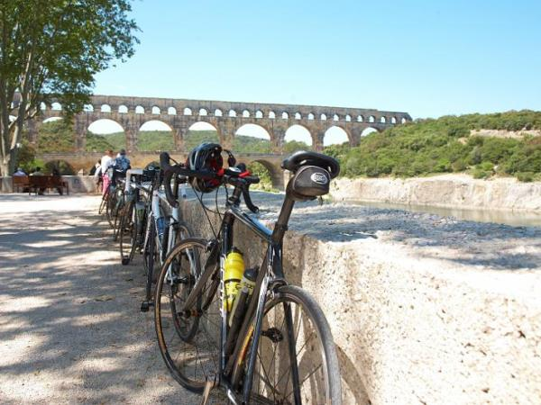 Provence self guided cycling tours, Avignon to Camargue